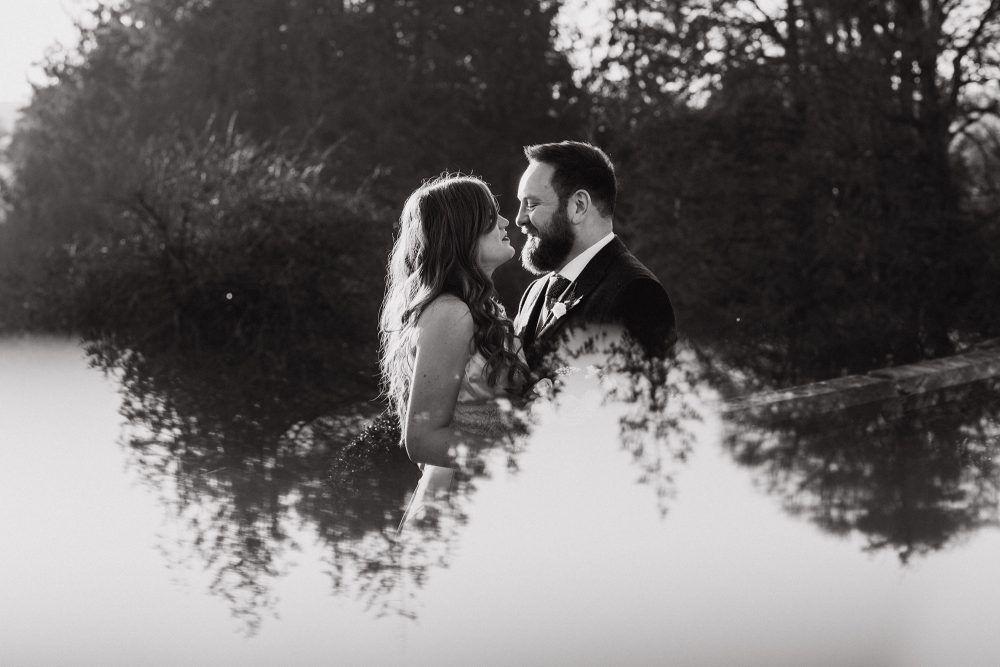 devon wedding photography at huntsham court